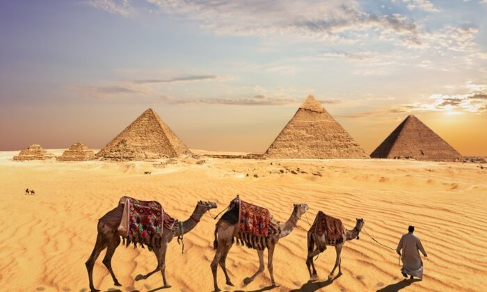 How the Pyramids at Giza were built remains a mystery.  (AlexAnton/Shutterstock)