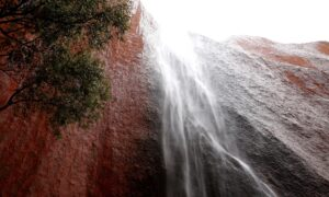 Rain to Lash Northern Territory's Arid South, Triggers Warning