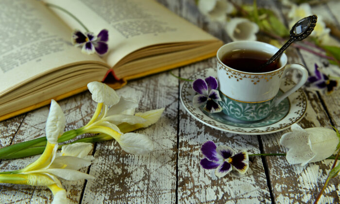 Perhaps you don't read poetry because it doesn't occur to you. April is National Poetry month and a good time to try. (Vera Petruk / Shutterstock)