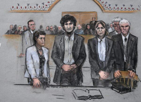 Marathon bomber Dzhokhar Tsarnaev (C)