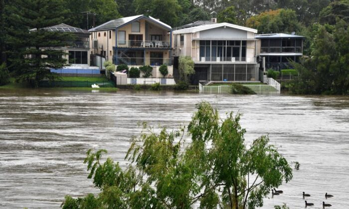 Floodwaters recede in the Nepean river, NSW on March 22, 2021. (Saeed Khan/AFP via Getty Images)