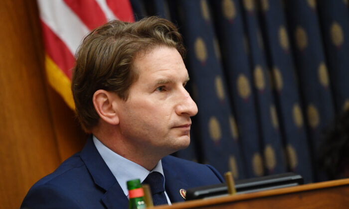 Rep. Dean Phillips (D-Minn.) questions witnesses during a hearing on Capitol Hill in Washington on Sept. 16, 2020. (Kevin Dietsch/Pool/Getty Images)