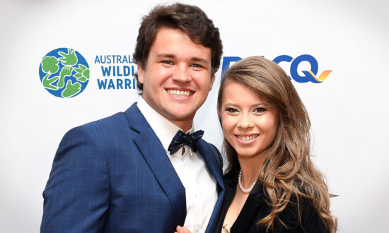Bindi Irwin Gives Birth to 1st Child With Husband Chandler Powell, Shares Photo on Instagram