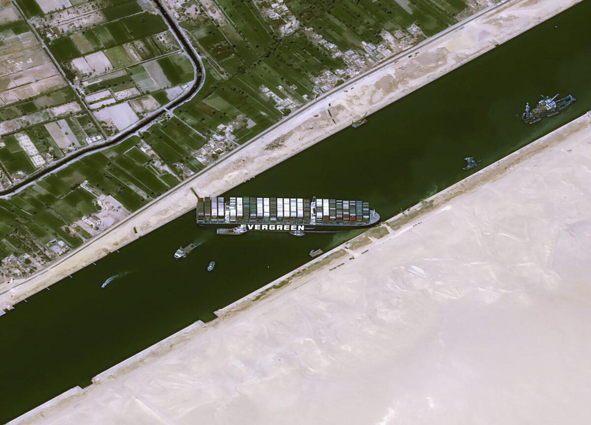 cargo-ship-stuck