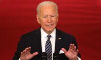 Biden Urges States to Keep Mask Mandates, Halt Reopening Plans