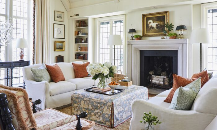 Designer Caroline Gidiere renovated this great room in Morning Brook, Alabama, for a grandmother of 14 children who frequently stop in. The home also hosts fundraising fetes. (Laurey Glenn)