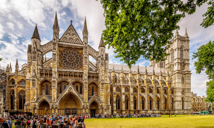 Most of Westminster Abbey's architecture is in the Gothic style. Built by King Henry III in 1245, it is one of the most important Gothic buildings in England. (photo.eccles/Shutterstock.com)