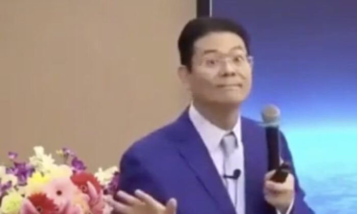 Chinese professor Zang Qichao talks about how China steals technologies from the United States in his speech in Shenzhen, China on March 21, 2021. (Screenshot/Zang Qichao's Xigua Video Channel)