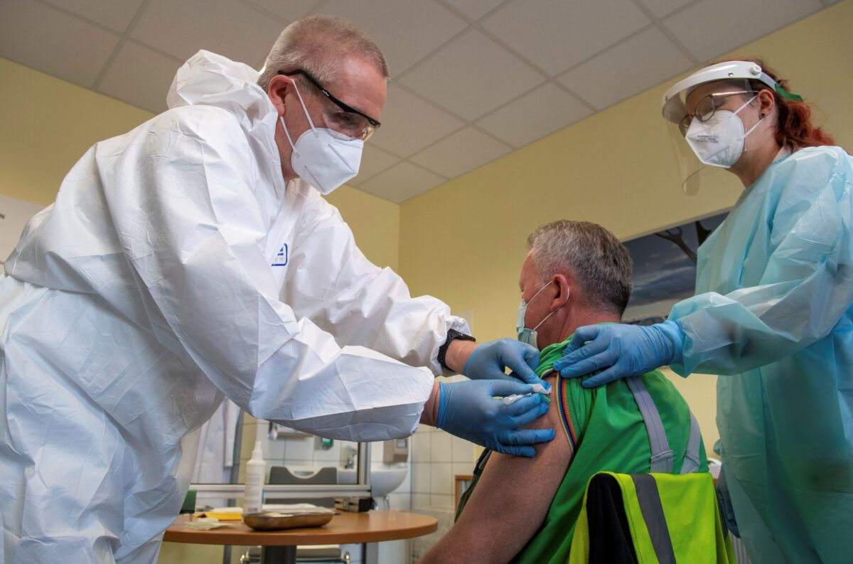 COVID-19 Vaccine 'Possibly' Linked to Rare Blood Clots: EU Agency