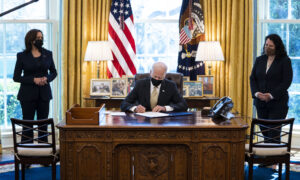 Biden Signs 2-Month Extension to PPP Loan Program