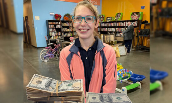 Goodwill Employee Finds $42,000 in Donated Sweaters, Gets Reward for Doing 'The Right Thing'