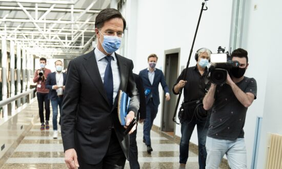 Dutch PM Rutte Fights for Political Life After Blunder