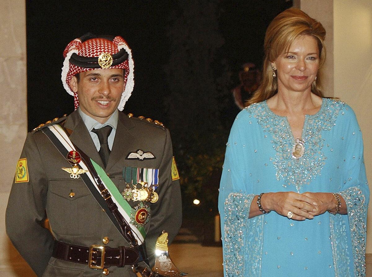 Jordan's Prince Hamza (L) with his mother Queen Noor
