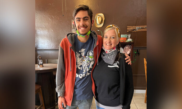 Khobe Tyre with Amy Kennett. (Courtesy ofAmy Kennett)