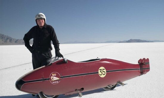 Popcorn and Inspiration: 'The World's Fastest Indian': Kiwi Coot Sets Bonneville Flats World Speed Record