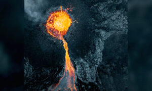 Drone Photographer Snaps 'Terrifying' Images of Icelandic Volcano Erupting for First Time in 6,000 Years