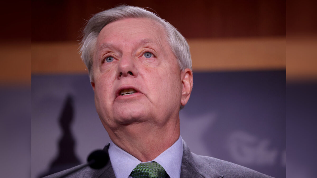 Graham Urges Fauci to Assess If Biden Border Policies Are Creating COVID 'Super-Spreader' Event