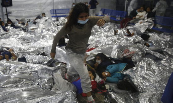HHS Official Contradicts Biden on Illegal Immigrant Surge in Court Filing