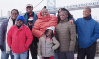 Homeless Mom With 7 Kids Gifted House, Thanks to Donations From 'Griswold Light Display'