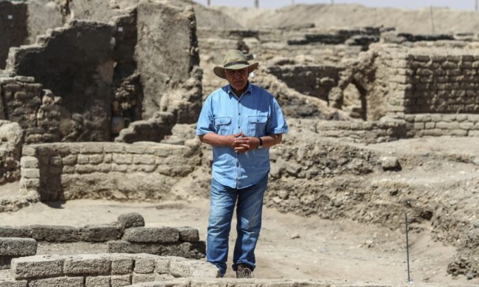 Dr. Zahi Hawass talks to media in a 3,000-year-old lost city in Luxor province, Egypt, on April 10, 2021. (Mohamed Elshahed/AP Photo)