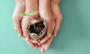 Growing Gardeners: DIY Newspaper Pots for Starting Seeds Indoors