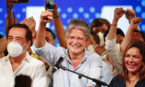 Ecuador Picks Conservative for President; Peru Sets Runoff