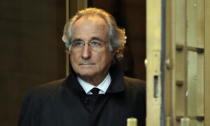 Bernie Madoff, Disgraced Ponzi Schemer, Dies at 82