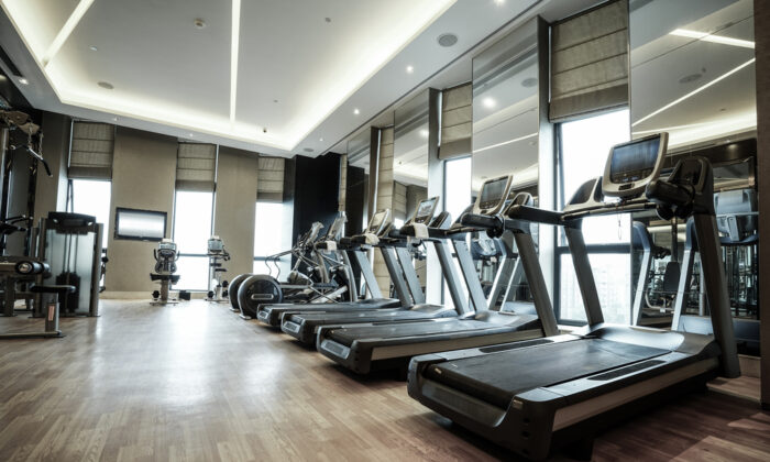 Long-term gym memberships can be a hefty money drain. (August_0802/Shutterstock)
