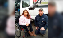 Kind Mechanic Steps Up to Fix Paraplegic Woman's Wheelchair Lift–and Act of Kindness Spreads