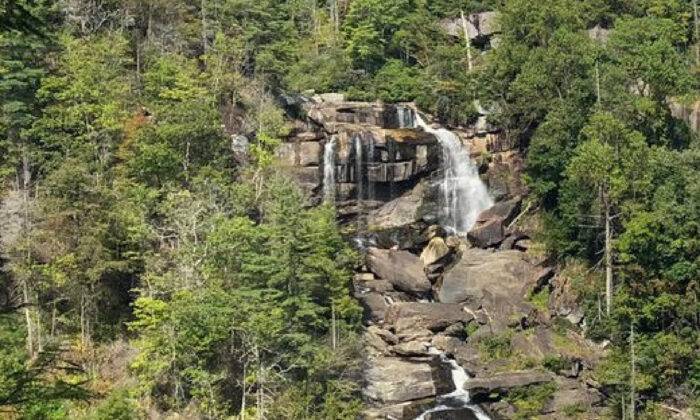 Whitewater Falls on the border of North Carolina and South Carolina in the Blue Ridge Mountains can be conveniently reached by way of a wooden staircase. (Courtesy of Bill Neely)