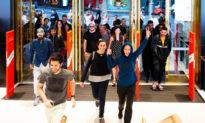 Australian Retail Spending Lifts on Buoyant Consumer Confidence