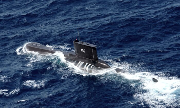 Indonesian Navy submarine KRI Nanggala sails in the waters off Tuban, East Java, Indonesia, on Oct. 6, 2014. (Eric Ireng/AP Photo)