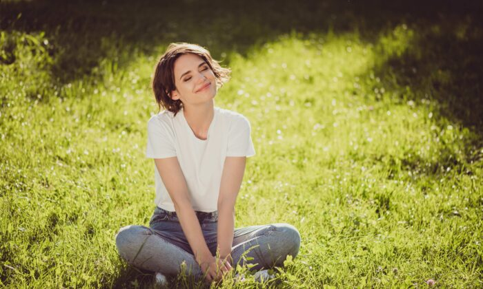 To support your recovery from a viral illness, make sure you get enough vitamin D and manage your stress well. (Roman Samborskyi/Shutterstock)
