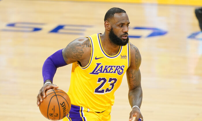 Los Angeles Lakers forward LeBron James plays in a game at Chase Center in San Francisco, Calif., on March 15, 2021. (Kyle Terada/USA Today Sports)