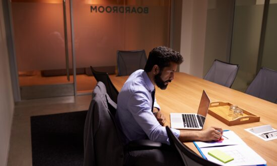Long Work Hours Linked to High Rate of Repeat Heart Attack