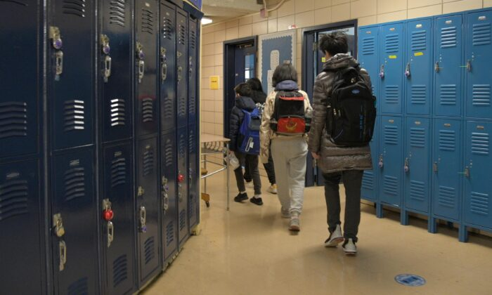 Students file into their classroom in a file photo. (Michael Loccisano/Getty Images)