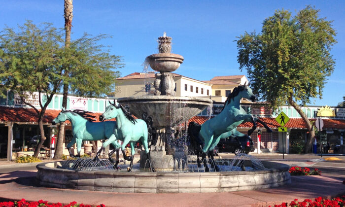 Five Arabian horses form the base of this popular fountain in Old Town Scottsdale. (Cre8 design/Shutterstock)