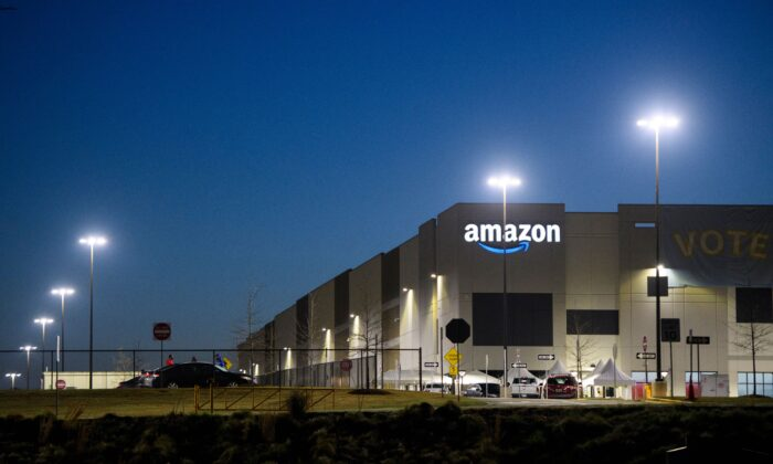 Amazon.com's BHM1 fulfillment center is seen before sunrise in Bessemer, Ala., on March 29, 2021. (Patrick T. Fallon/AFP via Getty Images)