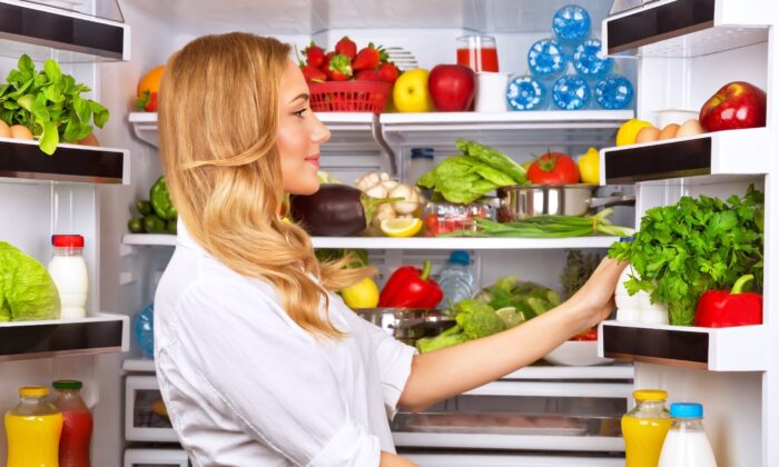 Reaching for some roughage is an unexpected way to improve sleep.   (Anna Om/Shutterstock)