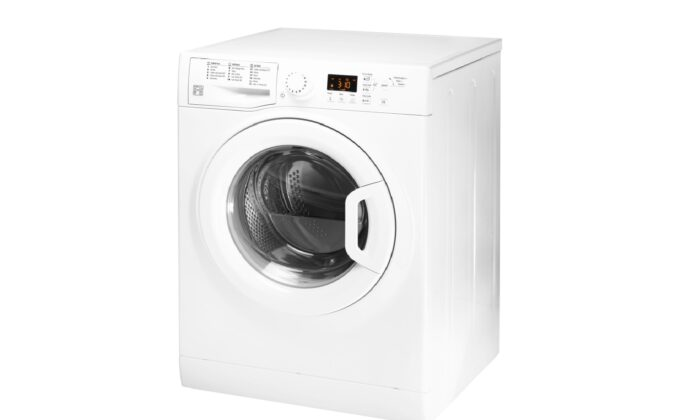High-efficiency, or HE, washers do a fine job of washing clothes for normal home laundry use.  (AmaPhoto/Shutterstock)