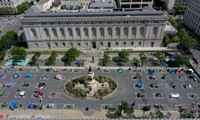 An aerial view of San Francisco's first temporary sanctioned tent encampment for the homeless, on May 18, 2020. (Justin Sullivan/Getty Images)