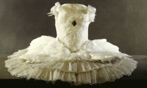 Reviving 'The Dying Swan,' Ballerina Anna Pavlova's Costume