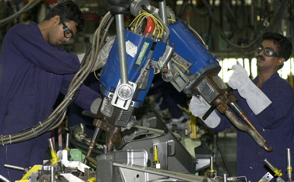 India-Car-Ford-Employee
