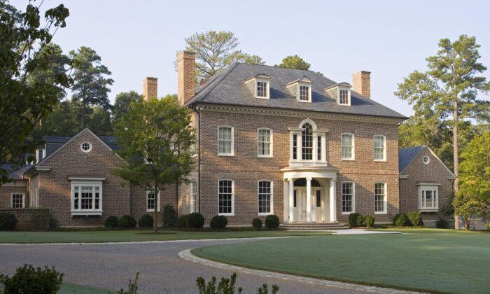 A Georgian-style residence in Atlanta, Georgia. (Courtesy of Pak Heydt & Associates)