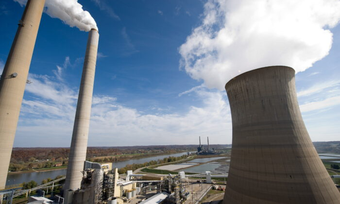 American Electric Power's Mountaineer coal power plant, including cooling tower and stacks in New Haven, W.Va., on Oct. 30, 2009. (Saul Loeb/AFP via Getty Images)