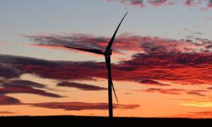 Victoria Promises World Leading Legislation to Halve Emissions by 2030