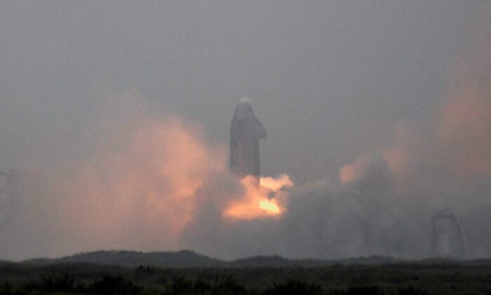 SpaceX conducts a test launch of its SN15 starship prototype from the company's starship facility in Boca Chica, Texas, U.S. May 5, 2021. (Gene Blevins/Reuters)