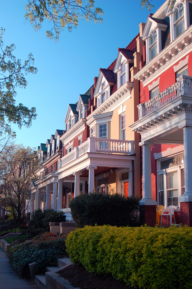 Monument,Avenue,Is,A,Historic,District,In,Richmond,,Virginia