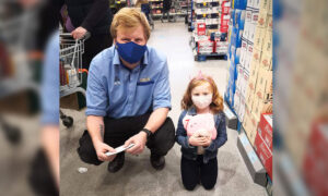 7-Year-Old Girl Saved Up for Plushie Toy but Aldi Is Out of Stock—so Store Manager Saves the Day