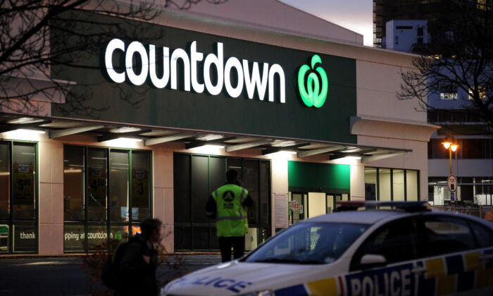 A police car is observed blocking an entrance to the Dunedin Central Countdown in Dunedin, New Zealand on May 10, 2021. (Joe Allison/Getty Images)